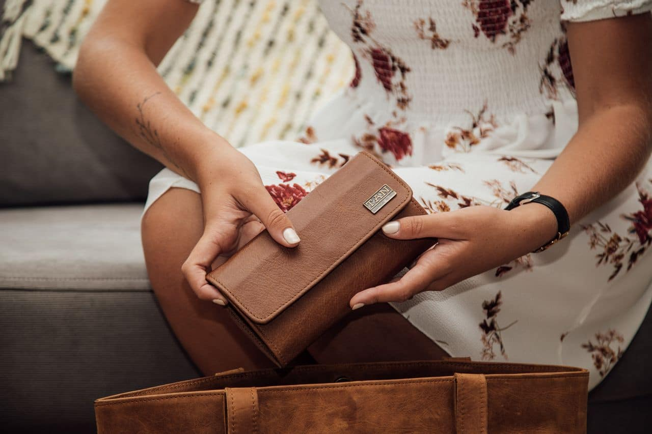 Lauren Leather Wallet - pecan